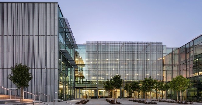 LMU Life Sciences Center - Exterior