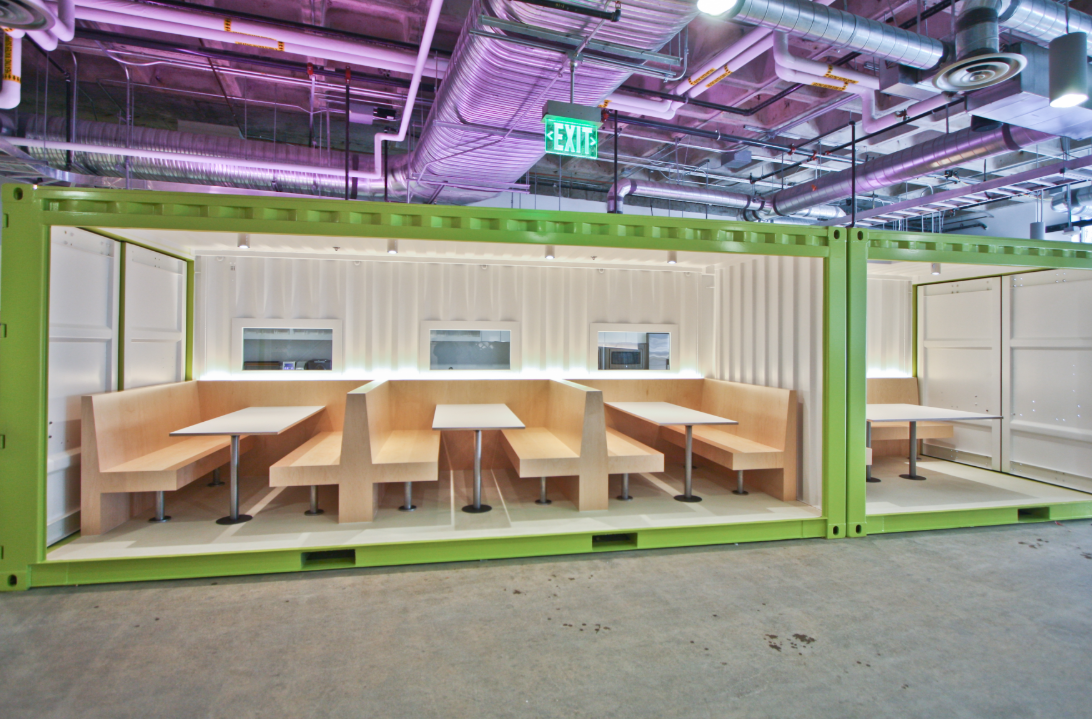 JustFab Headquarters - Cafe Seating