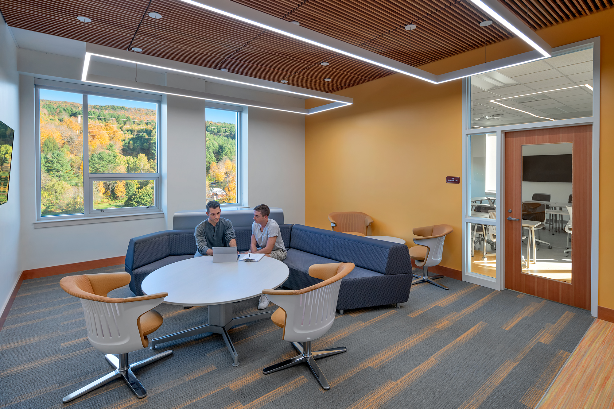 Norwich University Mack Hall - Collaboration Lounge