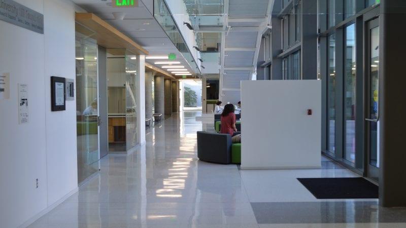 LMU Life Sciences Center - Entry